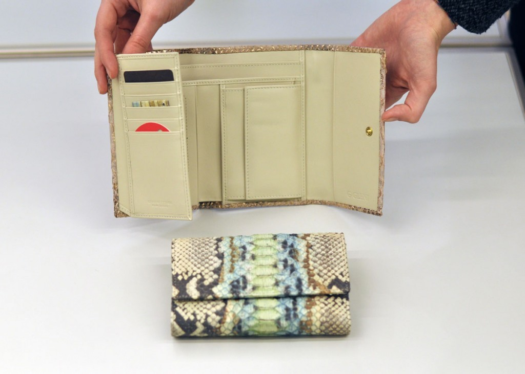 Python wallet for women