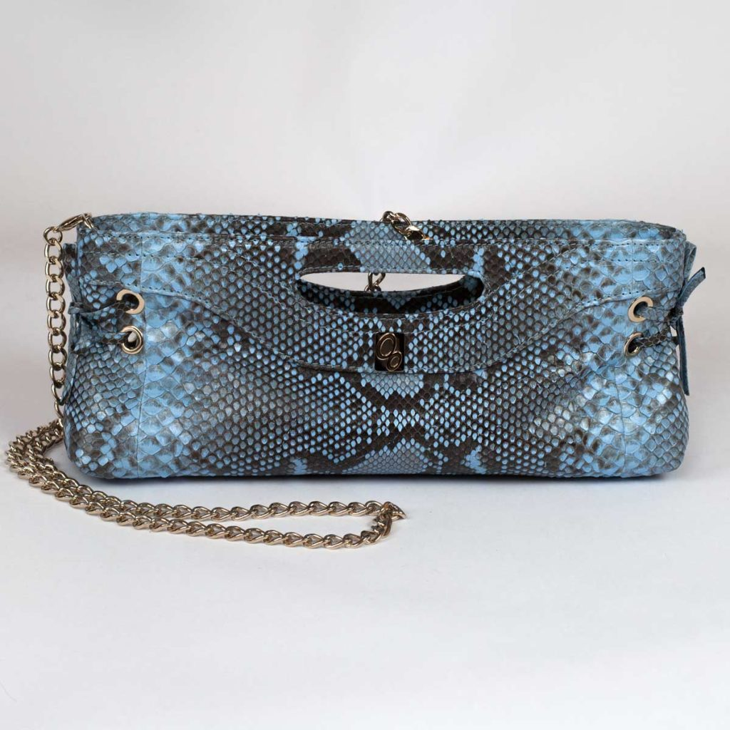 Pochette in blue leather