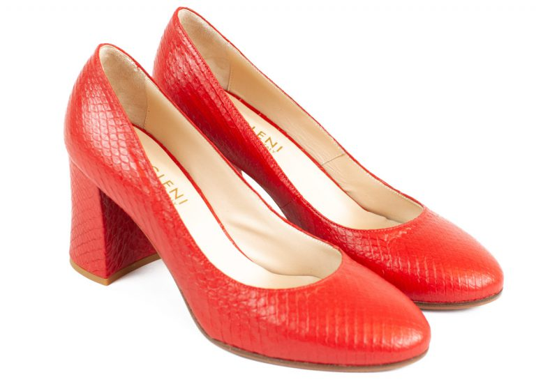 Luxury red shoes in python leather
