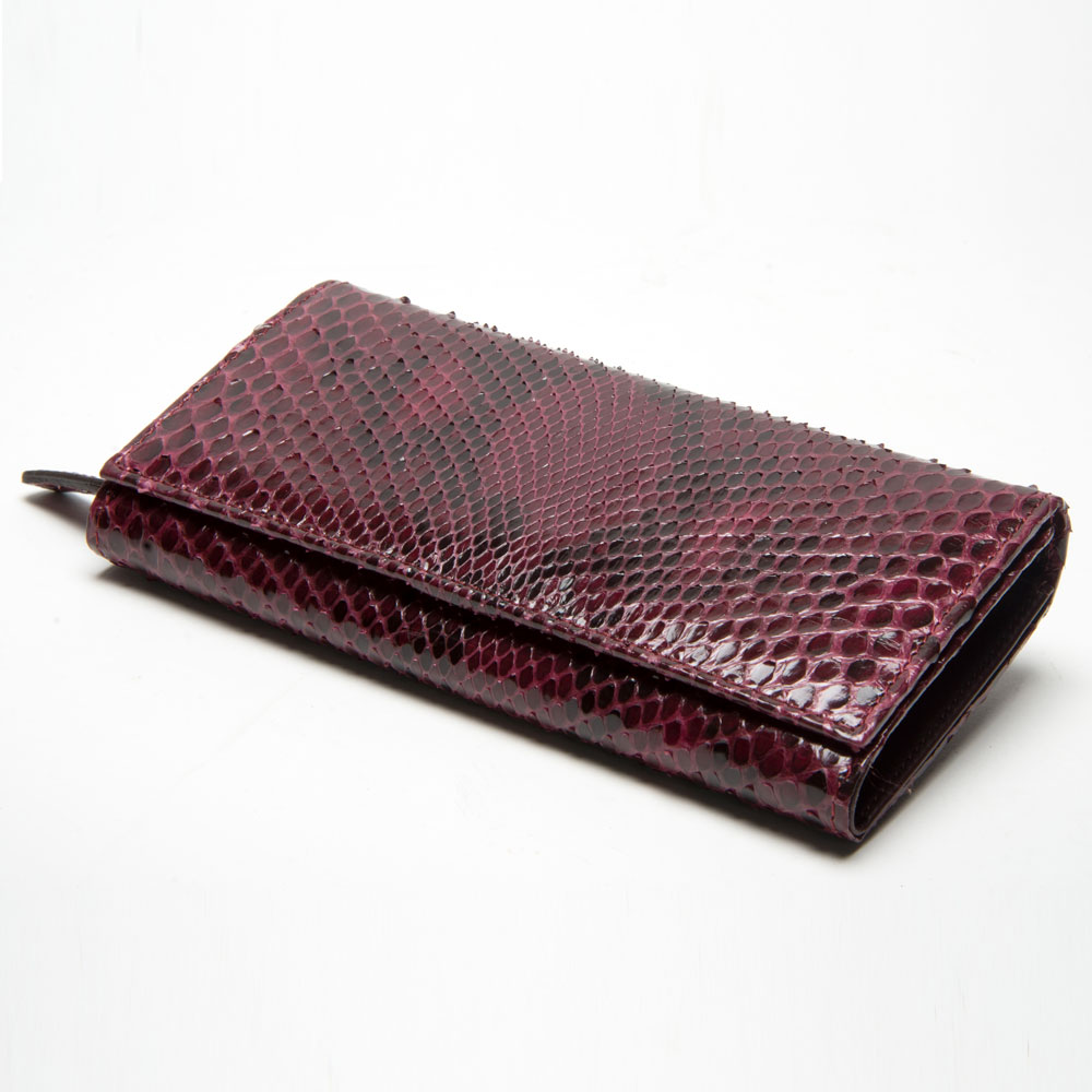 Refined wallet in burgundy python