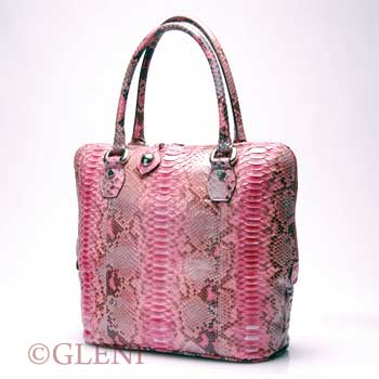 Handbag in python leather