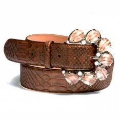 woman belt in python with a precious buckle