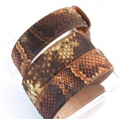 Leather details of the woman belt in genuine python leather