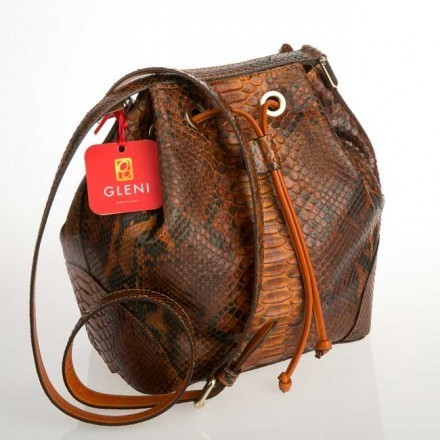 Bucket bag in Nut python