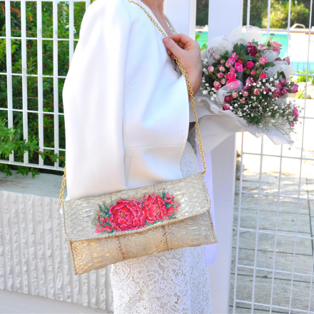 Vera model pochette with handpainted peony flowers