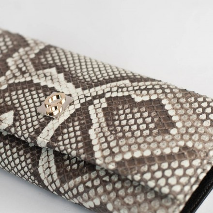 Wallet ACC/4 details of the Roccia python leather