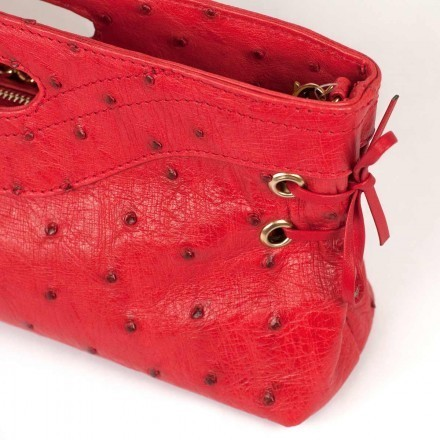 pochette in red color
