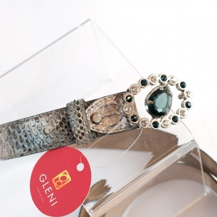 Shining jewel-buckle for genuine python belt