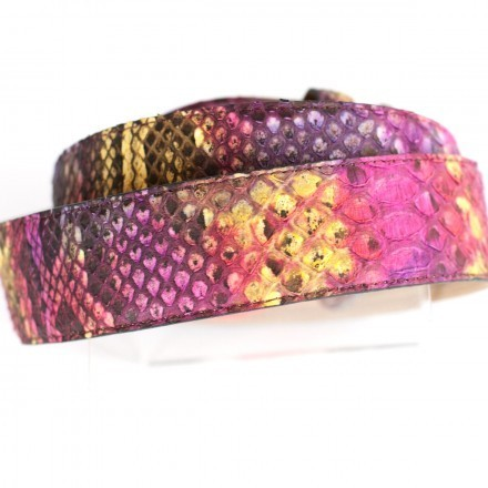 Details D/C4000 belt in pink and purple
