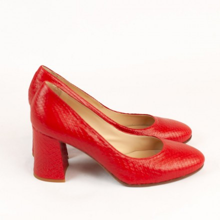 Luxury shoes in red