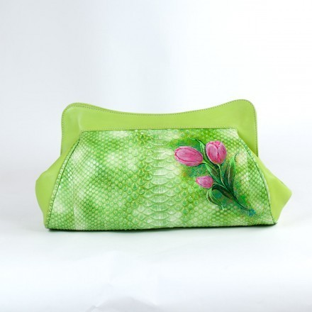 "Clutch ""La Classica"" in green python leather with painted flowers"